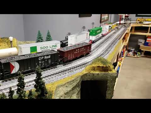 Lionel O scale layout with two trains running on mainline 04-14-2018