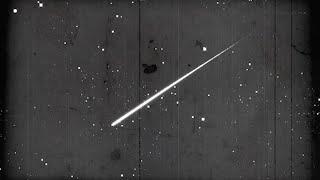 Comment observer une pluie d'étoiles filantes ? Science Muette #1