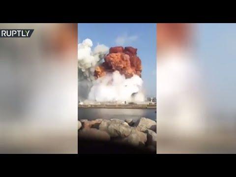 صياد صور لحظة انفجار مرفأ بيروت من البحر  - نشر قبل 4 ساعة