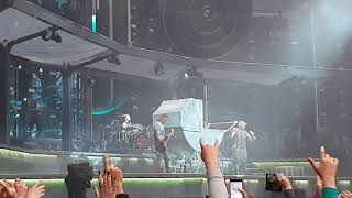 Смотреть видео Rammstein — Puppe (02.08.2019, Газпром Арена, Санкт-Петербург) онлайн