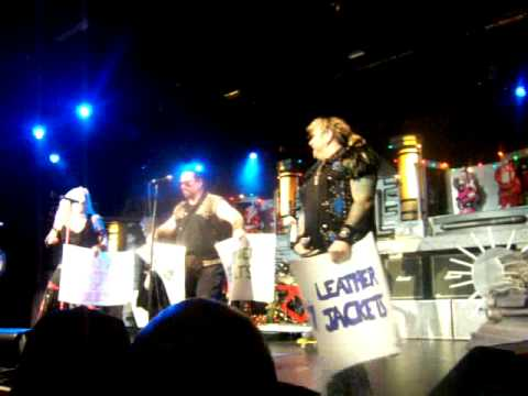 Twisted Sister Heavy Metal Christmas live at Nokia Theater 12-05 ...