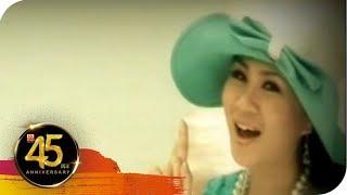 Video Angeline Wong黄晓凤 - 流行魅力恋歌5【外婆的澎湖湾】 download MP3, 3GP, MP4, WEBM, AVI, FLV Juli 2018