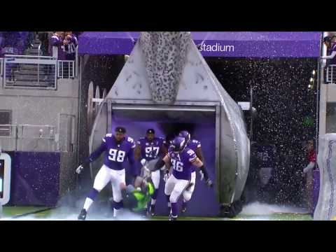 Dave Hill - Sound Guy Gets Taken Out By Vikings Running Out of Tunnel