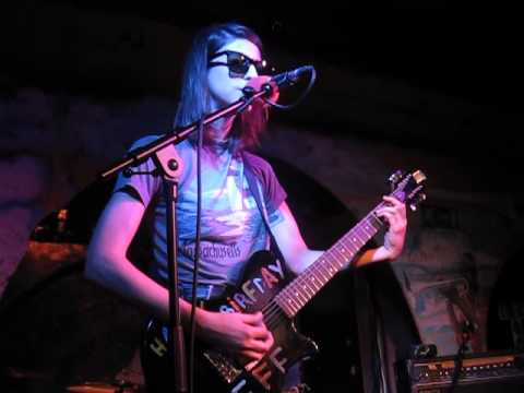 Colleen Green - Whatever I Want (Live @ The Shacklewell Arms, London, 01/08/15)