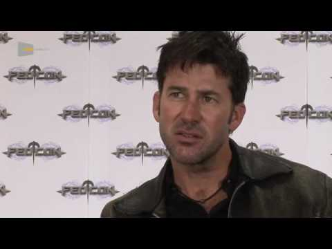 with Joe Flanigan Stargate Atlantis at the FedCon 2010 by Serieasten.TV