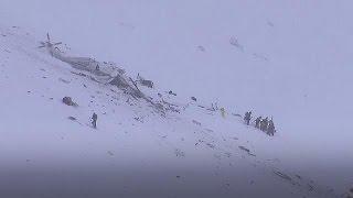 مقتل 6 أشخاص في سقوط مروحية في جبال أَبْرُوتْسُو الإيطالية