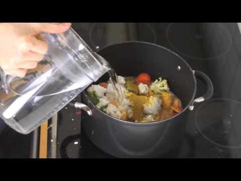 Släng inte dina grönsaksrester... gör soppa på dem istället!