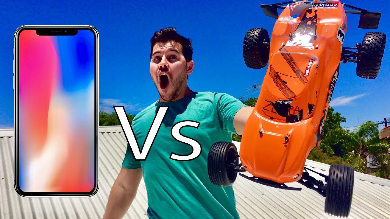 DODGING IPHONES WITH RC CARS!!