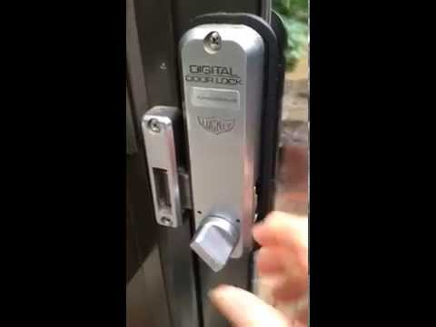 How A Lockey 2500 Hook Bolt Keypad Pushbutton Lock Works Youtube