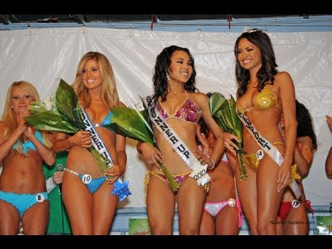 2013 Hooters Bikini Contest Finale