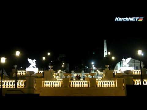 kerchnettv: Красотища: тест подсветки на втором ярусе Митридатской лестницы (Керчь