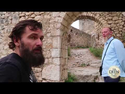 Australians pop up in Bosnia visit famous Castle learn about Islam