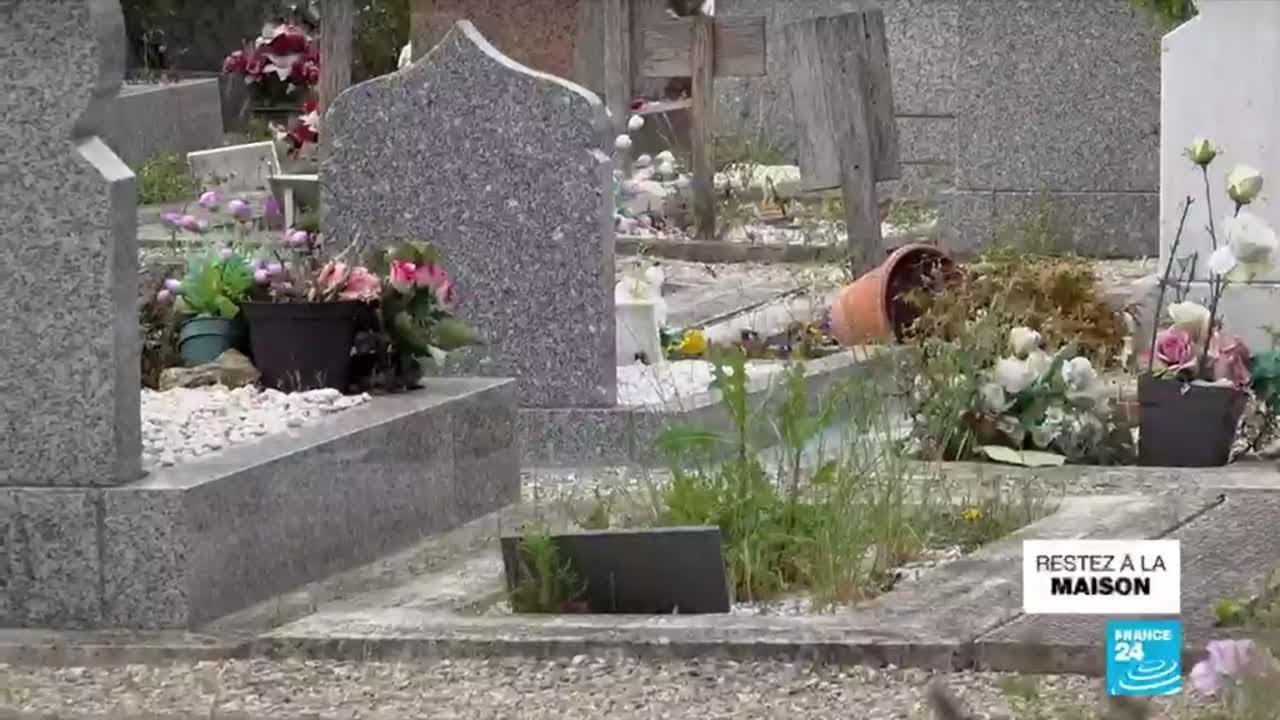 Le manque de carrés musulmans dans les cimetières en France