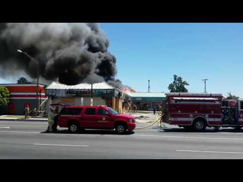 Building catches Fire on Bundage and H st in Bakersfield CA 93304