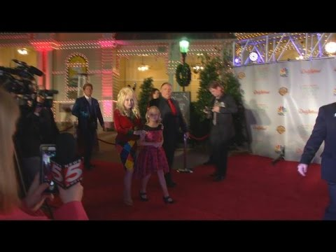 Dollywood turns Hollywood for Dolly's red carpet premiere