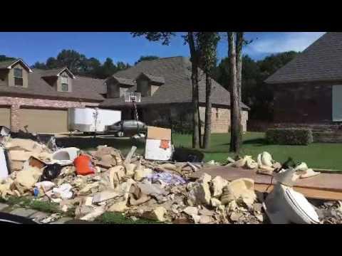 Flood leaves piles of trash