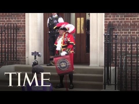 The Unofficial Town Crier Announces Birth Of Royal Baby No. 3 | TIME