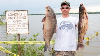 Flooded Lake Bow Fishing with LUNKERS NEW BOAT!