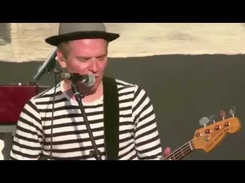 Belle & Sebastian Legal Man (Live) Berlin 2015