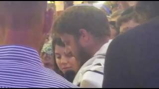 Shmuel  Salomon speaks at his son's Bris