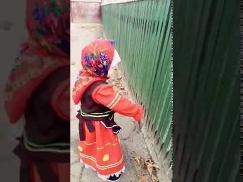 Вот как бывает опасно ребенку играть с молотком