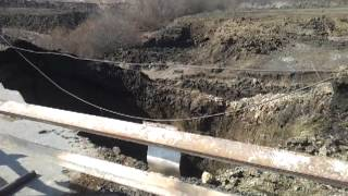мост смыло  водой в Атяшево.mp4