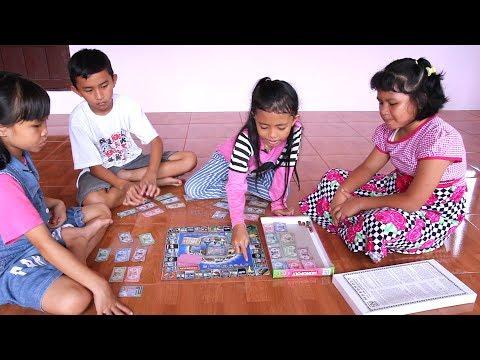 Unboxing Mainan Anak Monopoly - Seru Sekali Bisa Beli Tanah dan Rumah tapi bohongan heehe