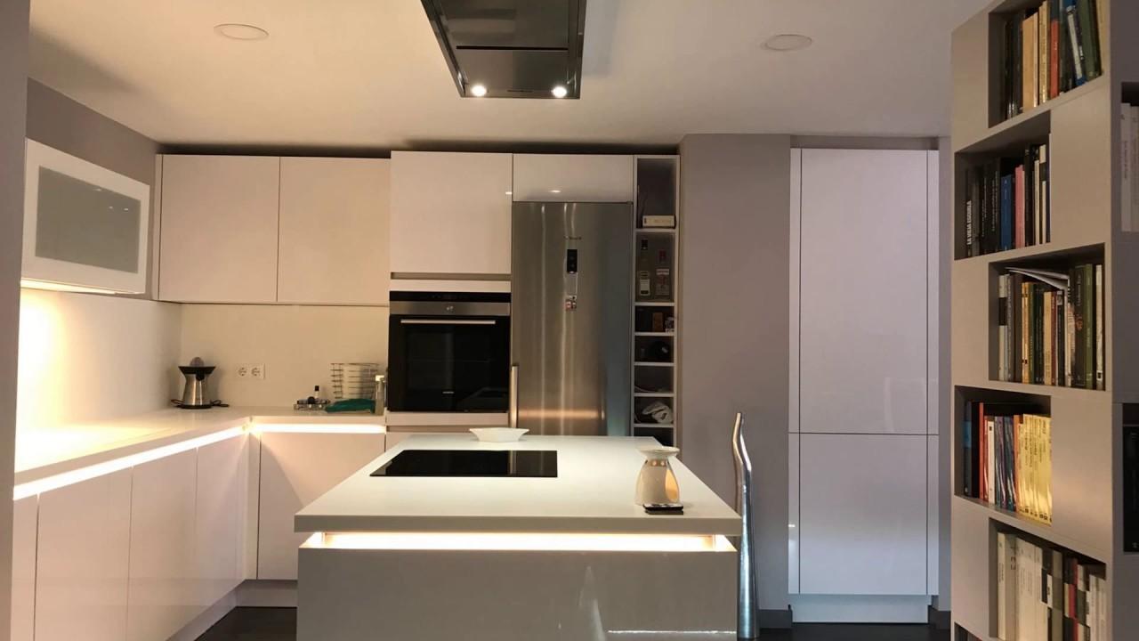 Cocina de diseño a tu medida, muebles de fabricación alemana - YouTube