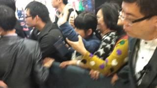 Download Video 4/2/2014柏木由紀 加藤玲奈離開荃灣廣場 MP3 3GP MP4