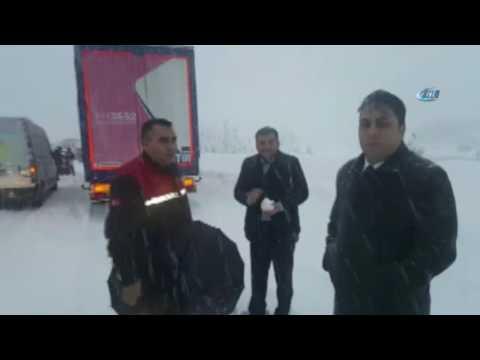 Adana'da Kar 9 Saat Mahsur Bıraktı