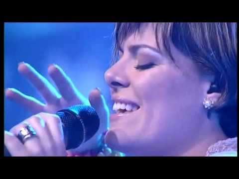 Ana Paula Valadão Live In Finland - In The Father's Arms (English)