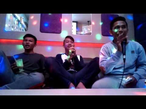 Kehebohan di tmpat karaoke