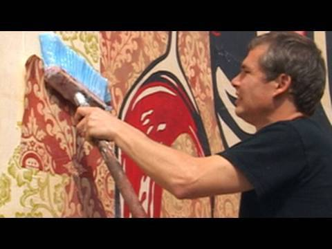 Shepard Fairey Creates Mural on Houston street