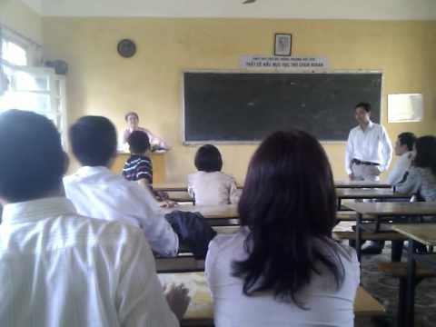 Bạn Tuệ lộ hàng nóng trong họp lớp 17/10/2010