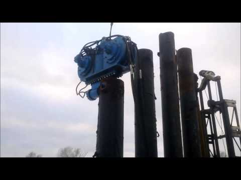Погружение труб гидравлическим вибропогружателем Финарос 400