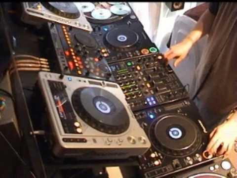 DJ Cotts -