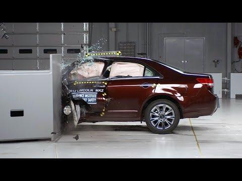 2012 Lincoln MKZ driver-side small overlap IIHS crash test