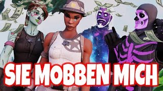 OG SKINS bully NOSKIN, then I show my RECON EXPERT and they RASTEN OFF in Fortnite English