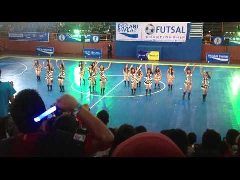 [FAN CAM] JKT48 - Grand Final Pocari Futsal 2013 - M02  Kimi no Koto ga Suki Dakara