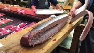 """金沢近江町市場!カジキマグロ解体 """"Swordfish"""" omicho market in kanazawa japan"""