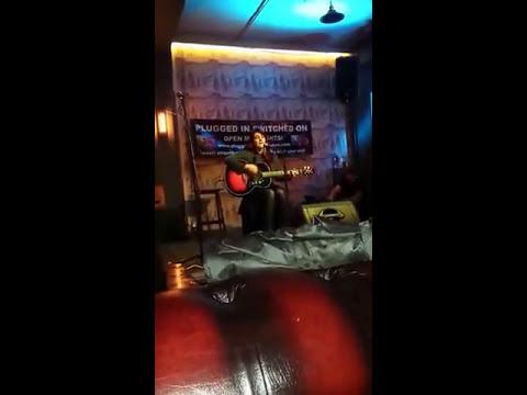 Rhiannon Leonard - Ho Hey live at Cafe 1001