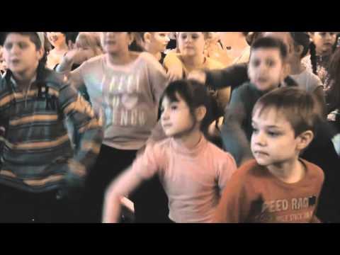Флешмоб школы танцев ШАГ ВПЕРД