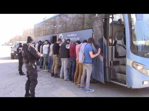 Розыгрыш на день рождения остановили автобус на трассе. Народ в шоке! Жесть! Оперативная съемка