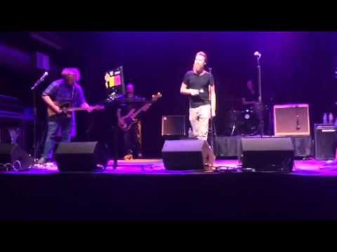 John Fogerty's Voice Doppelganger - Fortunate Son CCR (Live Karaoke)