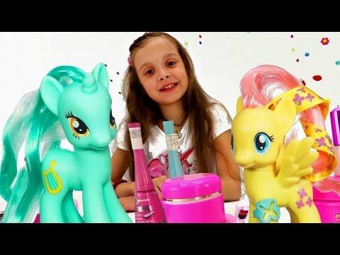 Игра пони Флаттершай в Салоне Красоты! Видео с игрушками Май Литл Пони. Делаем прически и макияж