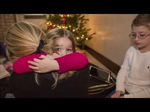 O Zot sa dhimbje, po ndahen 3 fëmijë nga nëna e tyre. Pas 18 vitesh në SHBA, shqiptarja merr lajmin