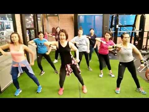 Mambo Italiano - Ho Quang Hieu | zumba | dance with Ann | Ann Piraya