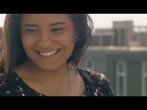 Selma, 23 ans, en poste en alternance à la DSI de chez SFR