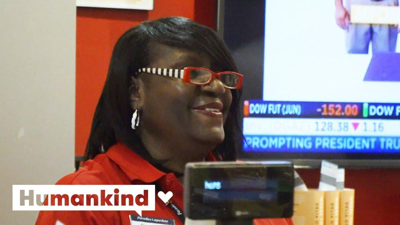 Atlanta: Travelers Change Flights To See This Black Airport Employee