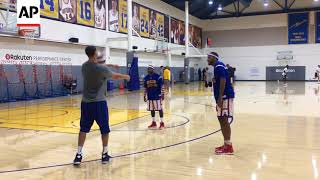 Klay Thompson Dazzles Visiting Globetrotters